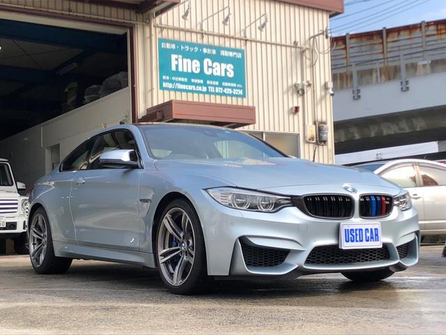 BMW M4クーペ カーボンルーフ 黒革シート 19インチAW