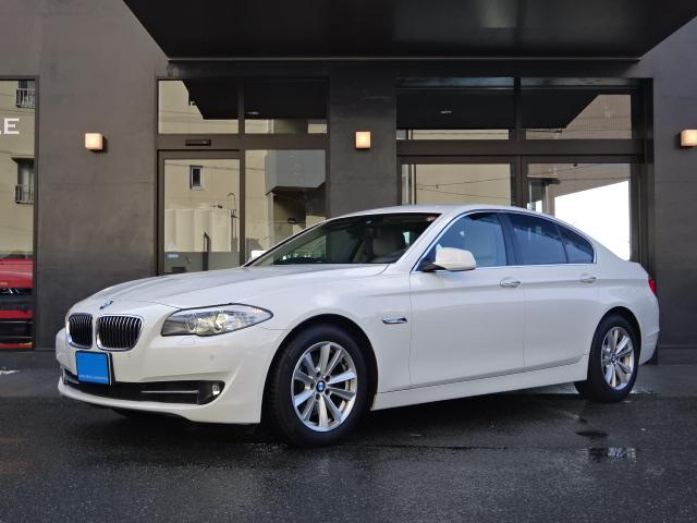 BMW 523dブルーパフォP1オナ禁煙車白本革SHDDナビ地デジ