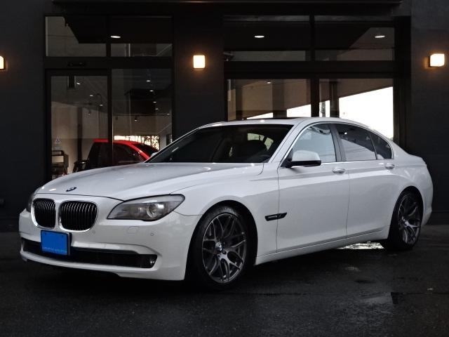 BMW 740i 黒革シート SR 左H 純正ナビ 19インチAW