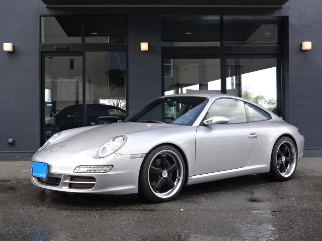 ポルシェ 911カレラ 正規D車 左ハンドル スポーツクロノPKG  6速マニュアル 黒革シート アップルCarPlay HIDヘッドライト