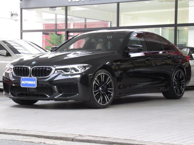 BMW M5 1オーナー 右ハンドル コンフォートパッケージ ステアリングヒーター アンビエントライト マッサージ機能搭載 ベンチレーションシート ソフトクローズドア 純正20AW シルバーストーンレザーシート