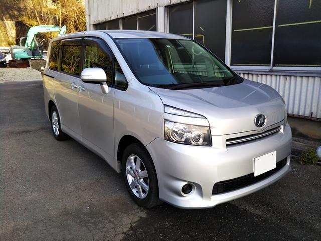 トヨタ ヴォクシー X 3列8人乗 ETC CD