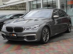 BMWM760Li xDrive パノラマルーフ ブラックレザー