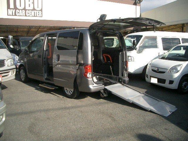 日産 チェアキャブ 車いすスロープタイプ 車いす2基固定 福祉車両