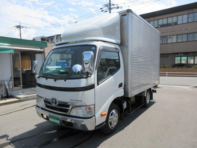トヨタ 2トンアルミバン リヤシャッター式扉 普通免許対応