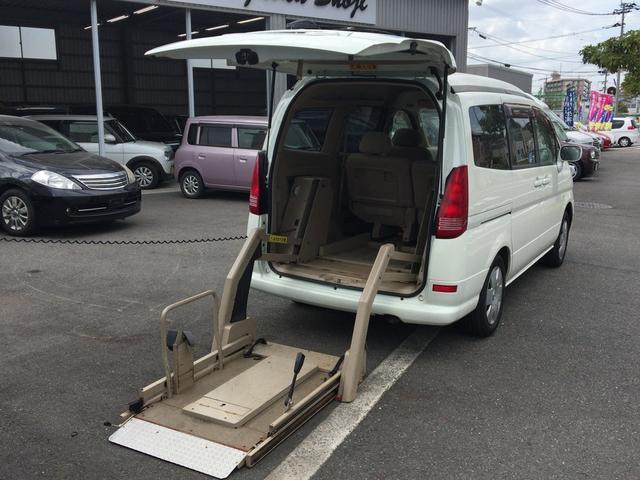 車椅子移動車 福祉車両 リフト(1枚目)