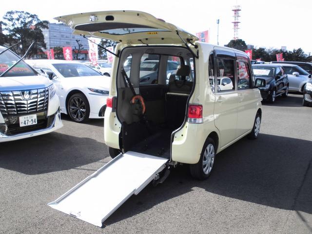 ダイハツ  スローパーRシート仕様車 CDプレイヤー ヘッドライトレベライザー キーレス