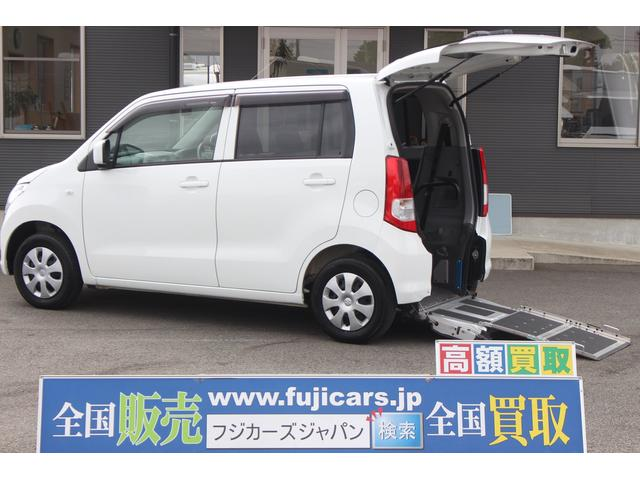 車いす移動車 脱着可能リヤシート付 4人乗り 電動固定式