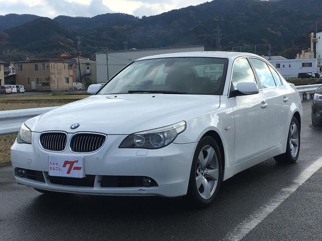 BMW 530i サンルーフ 黒革シート プッシュスタート