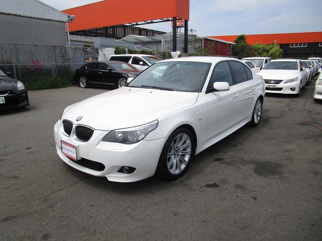 BMW 5シリーズ 525i Mスポーツパッケージ プッシュスタート キーレス クルーズコントロール 黒革 ETC CD DVDナビ シートヒーター コーナーセンサー 前席パワーシート HID オートライト 18アルミ タイミングチェーン