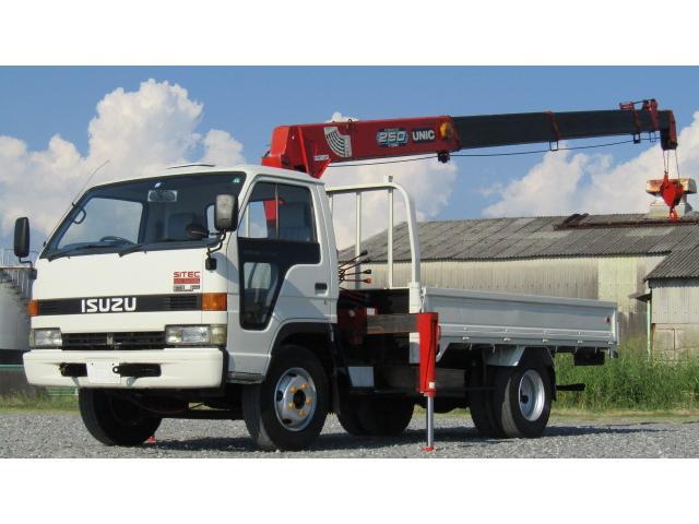いすゞ  ワイドロングフラットロー ユニック5段クレーン 有線リモコン付き 3500kg積載