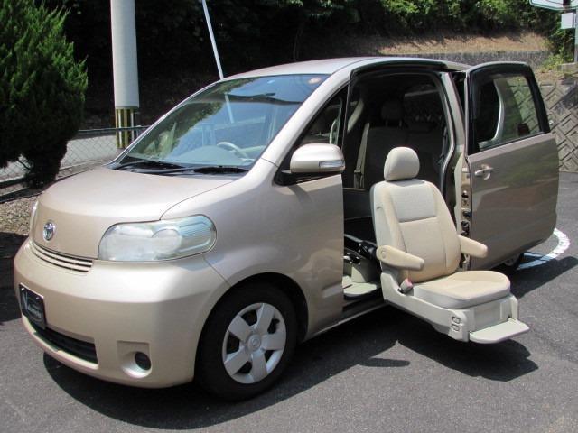 トヨタ 130i Cパッケージ 助手席リフトアップ HDDナビ