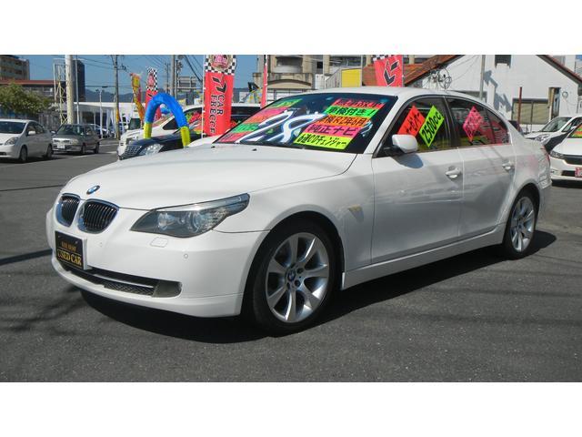BMW 525iハイラインパッケージ 黒本革シート コーナーセンサー
