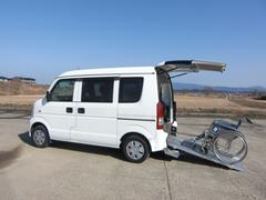 エブリイワゴン車いす移動車 補助シート付 電動固定
