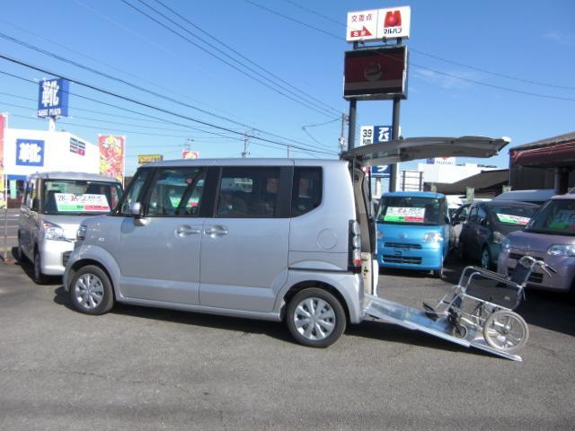 スローパー 3人乗 Rブレーキ ナビTV Bカメラ 福祉車両(1枚目)