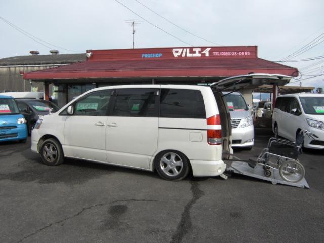 トヨタ X 車いす仕様車 車いす2基