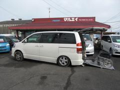ノアX 車いす仕様車 車いす2基