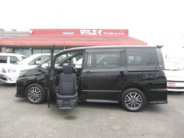 トヨタ ZS 助手席リフトアップシート ナビテレビBカメラ 福祉車両