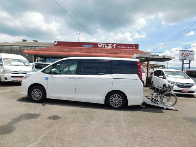 トヨタ Xiスローパー タイプIIサードシート付電動スロープ福祉車両