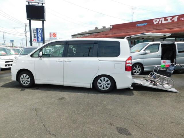 トヨタ XLセレ 車いす仕様車 スロープ タイプII サードシート無