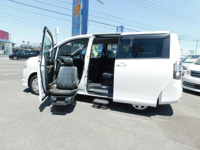 トヨタ X 助手席リフトアップシート左Sステップ ナビカメラ福祉車両