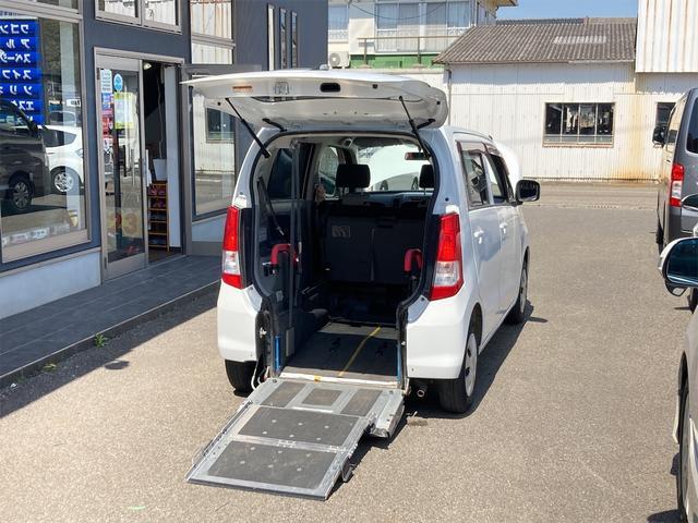 スズキ ワゴンR  車イス移動車 リアシート付 電動固定付 キーレス CDデッキ