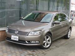 VW パサートTSIハイライン 2012年モデル 革シート 社外ナビ