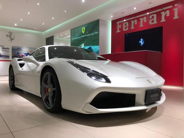 フェラーリ ベースグレード D車 フロントリフト リアパーキングカメラ カーボンドライバーズゾーン&LEDステアリング カラーレザーステア