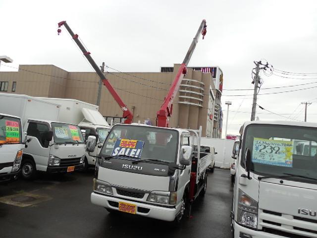 いすゞ 2tディーゼル3段クレーン