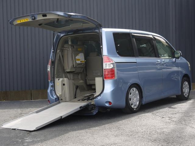 トヨタ ノア X Lセレクション 4WD 福祉車両 ウェルキャブ 車椅子仕様車 スロープタイプ 電動ウインチ 固定装置 車高調節装置 パワースライドドア HID デュアルオートAC キーレス