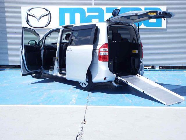 トヨタ ウェルキャブ スロープII 3列目シート付 車イス固定装置