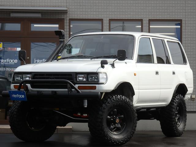 西日本仕入GXパートタイム4WD5速マニュアルナルディステア BFグッドリッチマッドタイヤKM3ブラットレーホイールサファリシュノーケルロックスライダー新品LEDスモークテール角目4灯ヘッドライト切り替え4WD