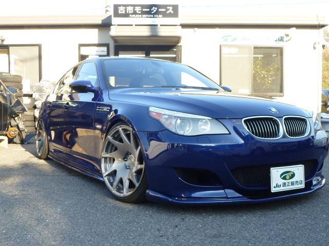 BMW M5 ワンオフマフラー rotiformホイール