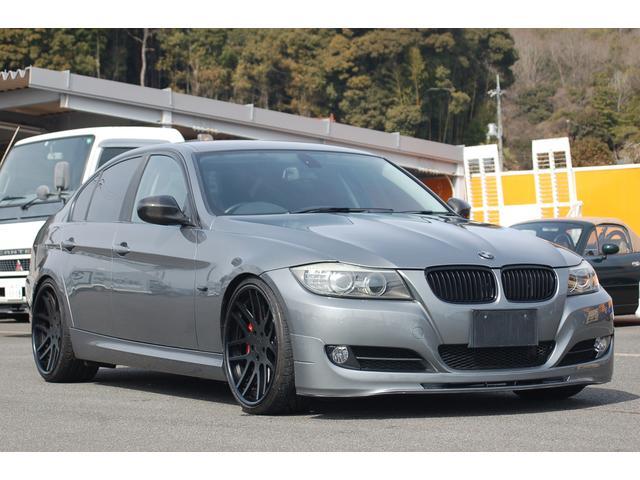 BMW 3シリーズ 320i 純正ナビ TV Bカメラ 車高調 AGIO鍛造20AW Stoptech前後キャリパー フロントリップスポイラー トランクスポイラー カーボンドアミラーカバー