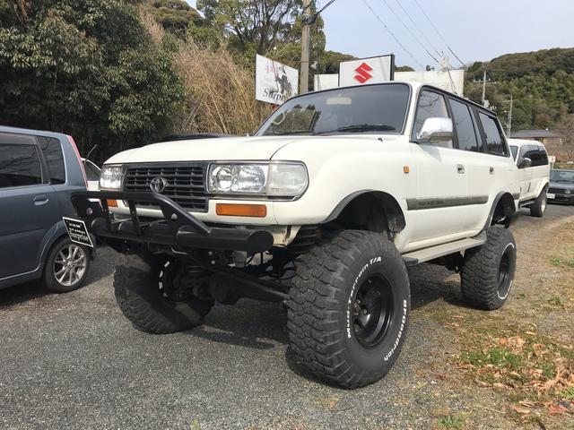 トヨタ 4WD 8名乗り ホワイト AT ガソリン 1ナンバー