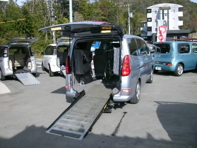 日産 福祉車両 全自動リアスロープ 補助席付7人乗り