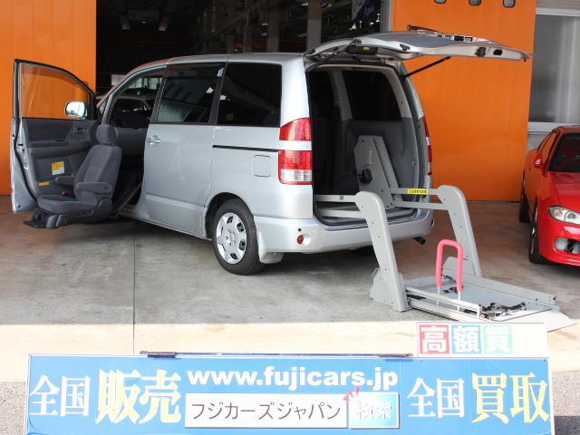 トヨタ 福祉車両 ウェルキャブ リアリフト 助手席リフトアップシート
