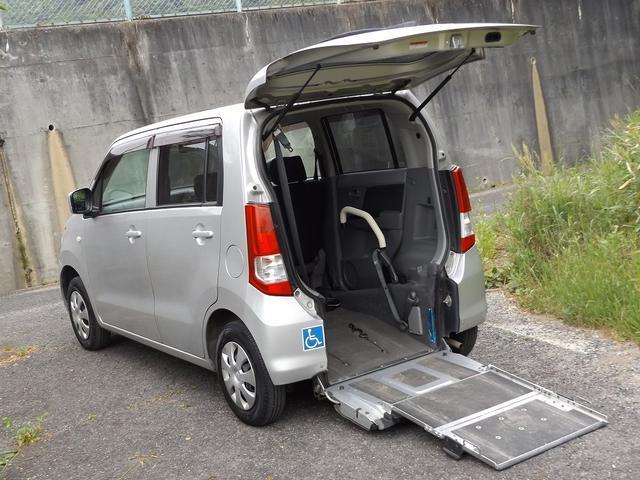 スズキ ワゴンR ウィズ車いす移動車 後席無 電動固定式3名