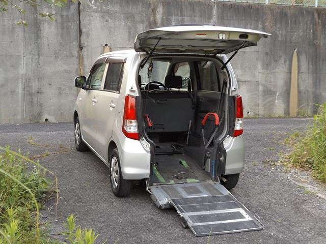 マツダ XG iスロープ式車いす移動車後席付 4名