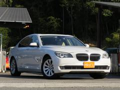BMW740i ベージュレザー・サンルーフ・スマートキー