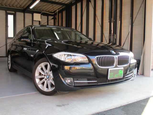 BMW 528i レザーシート・純正ナビTV