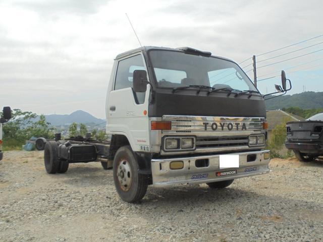 トヨタ ベースグレード キャブ付きシャーシ 5速MT