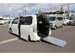 ヴォクシー車いすスロープ 4WD 電動スロープ ウィンチ 電動ステップ