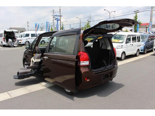 トヨタ 助手席リフトアップシート車 車いす収納装置付き ナビテレビ