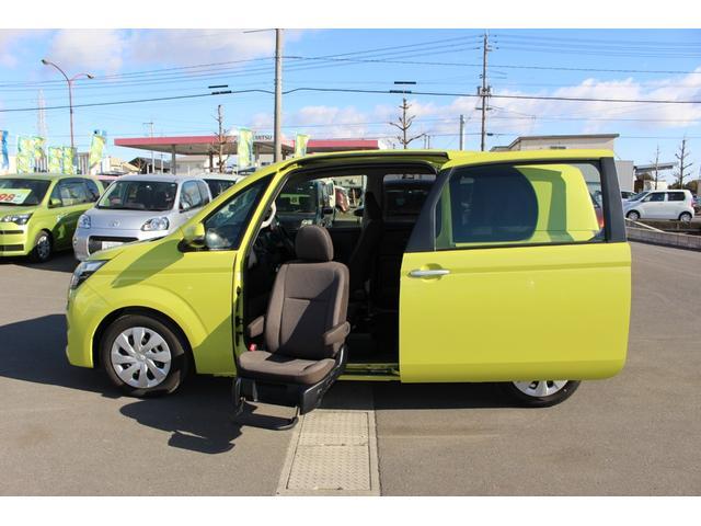 トヨタ X 助手席リフトアップシート車