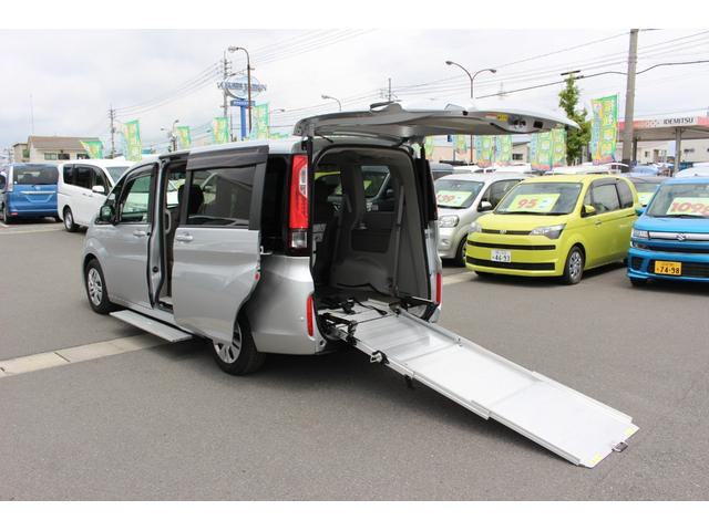 ホンダ ステップワゴン G 車いすスロープ車 2&3列目乗車 オートサイドステップ