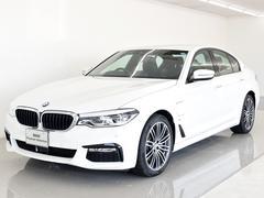 BMW530eMスポ黒革 ACC レーンアシスト 登録済み未使用車