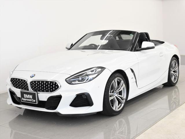 BMW sDrive20i Mスポーツ 黒革 カーボンリアディフューザー アクティブクルーズコントロール シートヒーター ドライビングアシスト パーキングアシスト リバーズアシスト Hifiスピーカー ワイヤレスチャージ 18AW