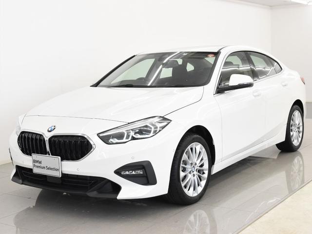 BMW 218iグランクーペ プレイ ナビゲーションパッケージ LEDヘッドライト コンフォートアクセス ドライビングアシスト パーキングアシスト ワイヤレスチャージ 純正17インチアロイホイール 弊社デモカー