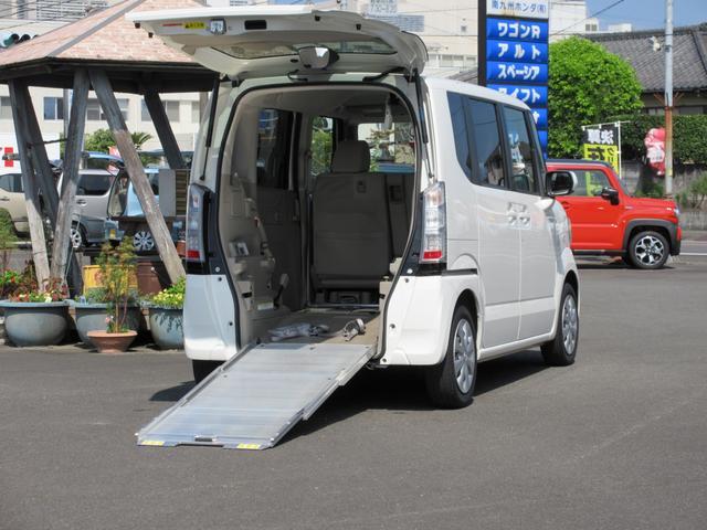 ホンダ N-BOX+  車いす仕様車 車いす用スローパー リモコン付電動ウィンチ 車いす固定装置 3人乗車 純正ナビ&ブルートゥース